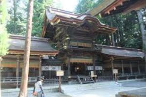 Suwa Taisha Shrine