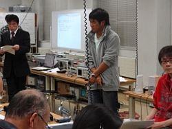 学部4年生の武田俊君(飯田工業出身)が電流・電圧・電力量を理解するために
