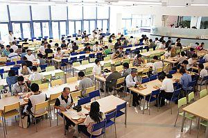 学生食堂でのランチ無料体験