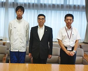 陸上競技部が茅野市長を表敬訪問3