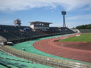 金沢市の西部緑地公園陸上競技場で開催されました。 大学から金沢市まで車で6時間くらいかかりました。