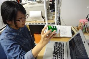 ノートPCのカメラに写った丸い物体を追跡