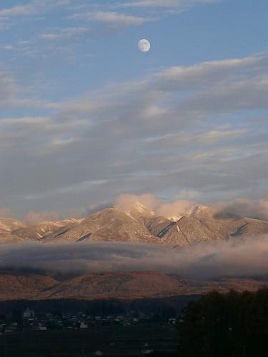 月齢11.6の月と八ヶ岳